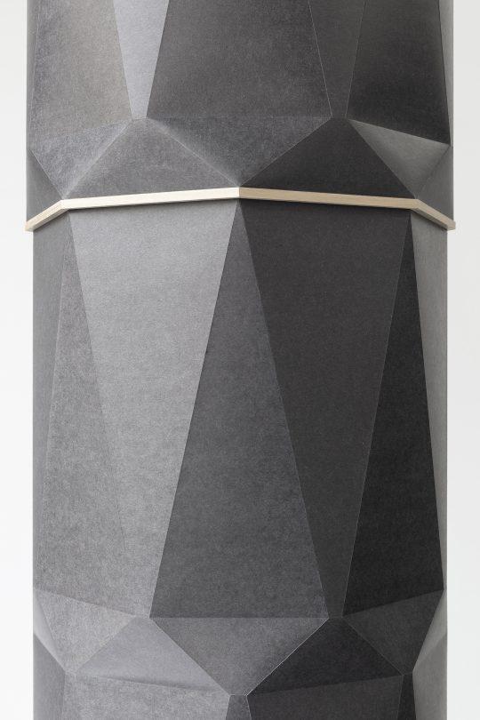 Paper, wood \r<br>H 200 cm. Ø 34 cm\r\n\r\nPhoto: CHROMA, courtesy Galerie Gilla Loercher and the artist