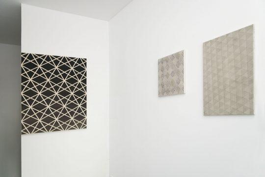 Paintings by Ab van Hanegem (left) and Ivan Liovik Ebel (right side)\r<br>\r\nPhoto: Ute Schendel, courtesy Galerie Gilla Loercher