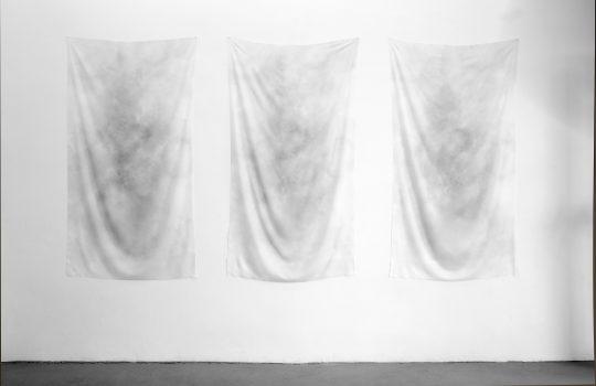 Sublimationprint on fabric, 3 parts \r<br>each 164 x 90 cm \r\n\r\nPhoto: Cordia Schlegelmilch, courtesy Galerie Gilla Loercher