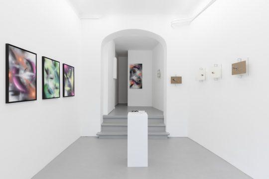 Installation view. Photo: CHROMA, courtesy Galerie Gilla Loercher